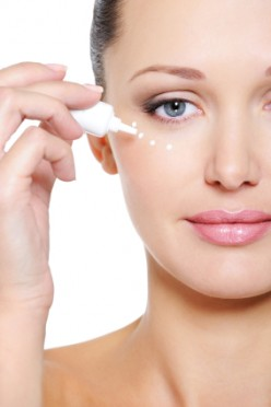 How to Deal With Wrinkles, Dark Circles, and Bags Under The Eyes.