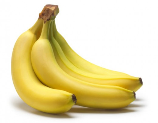The pulps of the banana is one of the natural food to remove mole