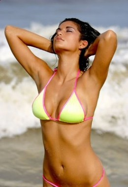 Sexy Sri Lankan Model in 2 piece Bikini