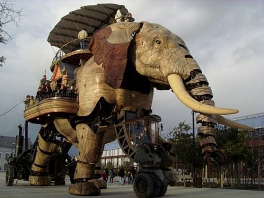 Giant Elephant at Isle de Machine