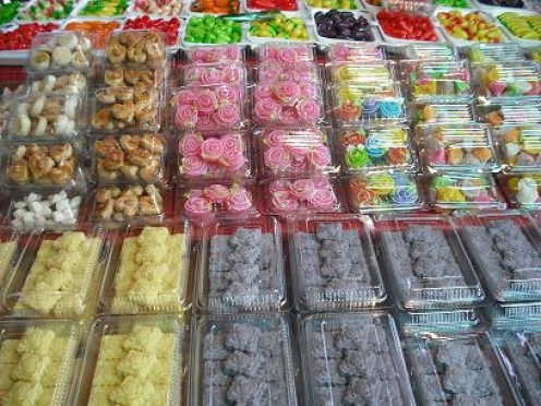 Colourful Thai desserts