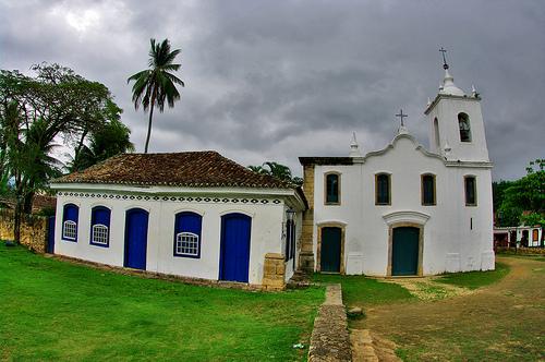 Paraty Church - Courtesy: flickr.com/photos/55953988@N00/4123790021