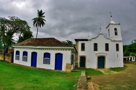 Paraty Church - Courtesy: flickr.com/photos/55953988@N00/4123790021