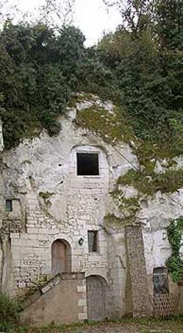 Troglodyte house