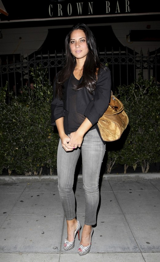 Olivia Munn in tight cropped jeans and high heel pumps outside the crown Bar