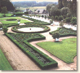 Gardens at Uss