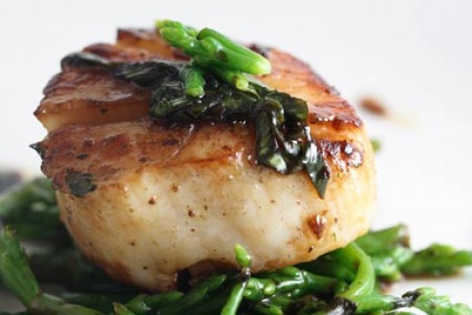 Grilled Scallops with ginger, soy dressing and sea beans... Yummy ...