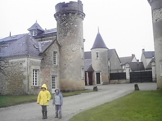 A castle is always a good excuse for a walk... even if it is rainning!