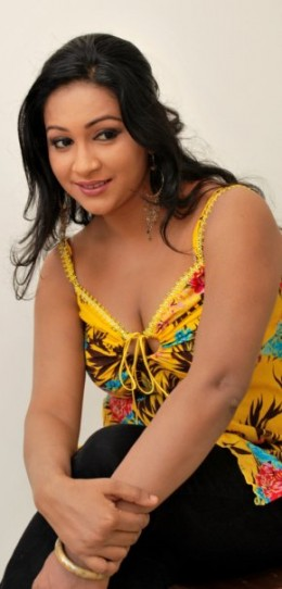 Nadeesha Alahapperuma Busty Sri Lankan Actress