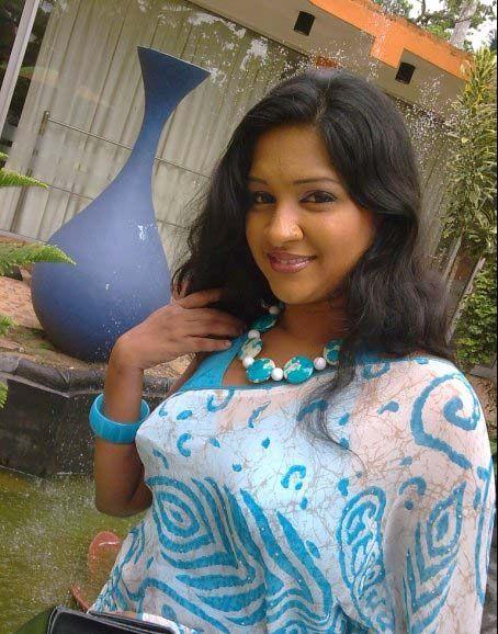 Sri Lankan Woman - Nadeesha Alahapperuma