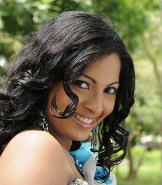 Himali Sayurangi Sri Lankan Beautiful Actress