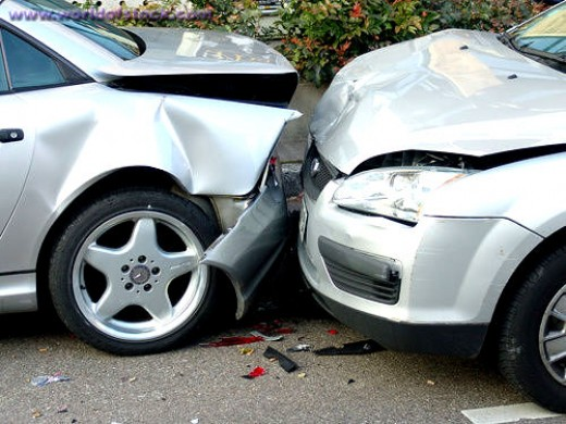 Whiplash is often a consequence of rear-end car collisions. (c) automotive-res.com
