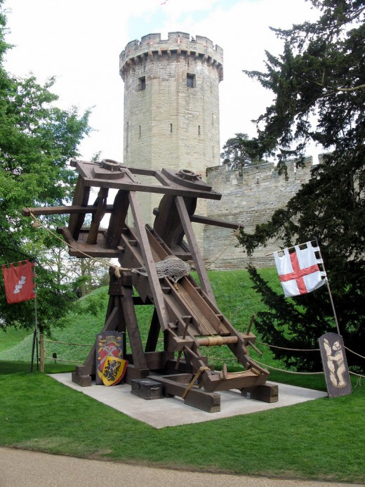 siege engine, warwick castle by ukslim