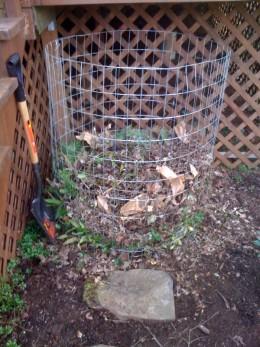 My Simple, Cheap, Compost Bin.