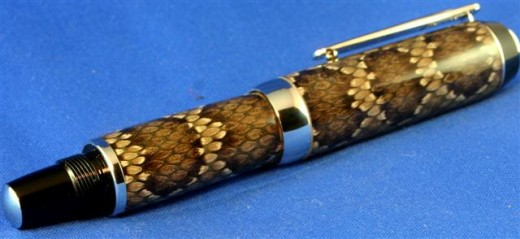 Snake Skin Stylus and Snake skin Stylus closed: This pen was featured in an article in a recent edition of Stylus magazine. This is a picture of the exact pen used for the article.