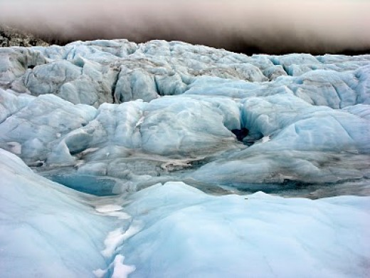 Amazing shades of blue and brown in the ice