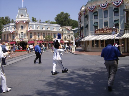 La-dee-da, la-dee-da! Walking the streets of Disneyland with Mickey Mouse!