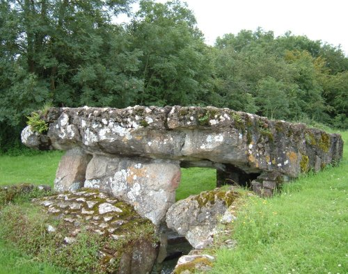 Tinkinswood Burial Chamber showing the gap in the stones Pixi and I emerged from