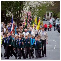 St George's Day in Ilkley, England '09 Photo courtesy of: flickr.com/photos/samsaundersleeds'