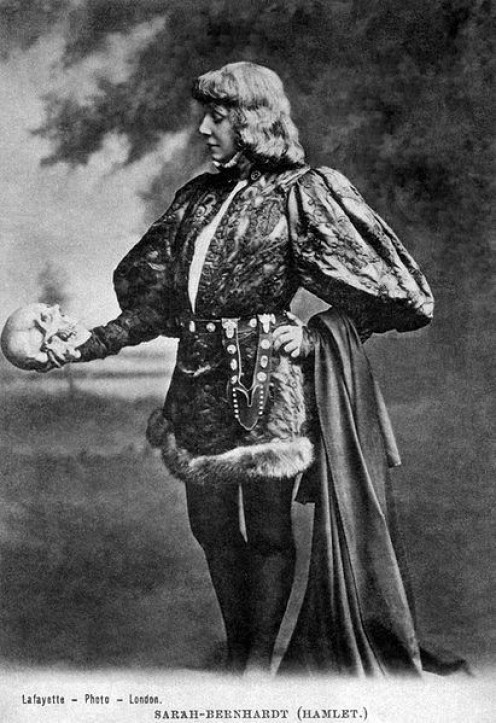 1900. Sarah Bernhardt. A female Hamlet with Yorick's skull. First successful onscreen version, I understand, for all of five minutes in a fencing scene.