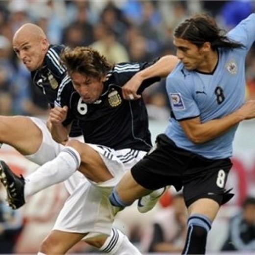 Careful buddies. Photo from Fifa.com