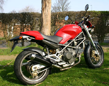 Ducati Monster 900M