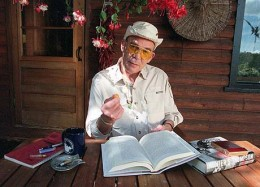 An older Hunter Thompson at home