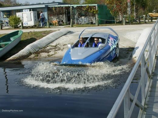 Rinspeed Splash amphicar entering the water