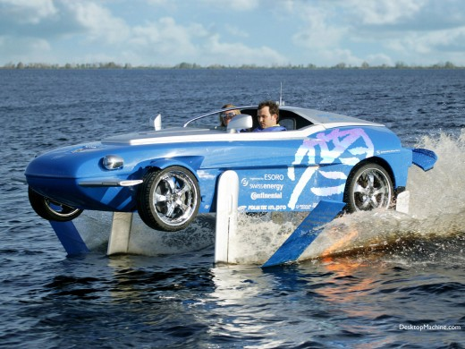 Rinspeed Splash amphicar on hydrofoils