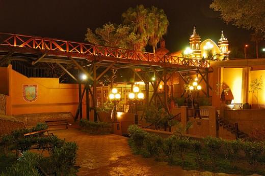 Looking even more romantic, El Puente de los Suspiros at night