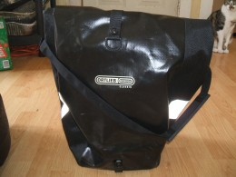 Ortlieb Pannier (Cat not included)