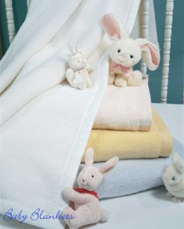 Cotton blankets from plumeriabay.com