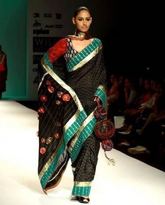 A beautiful saree wearrer on a remp show