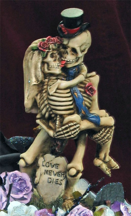 Love Never Dies figurine Example (this is one of many designs)