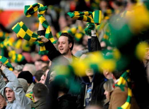 Green and gold scarves.  Anti glazer protest.