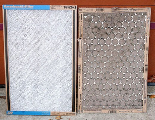 Clean filter on left and diry filter on the right