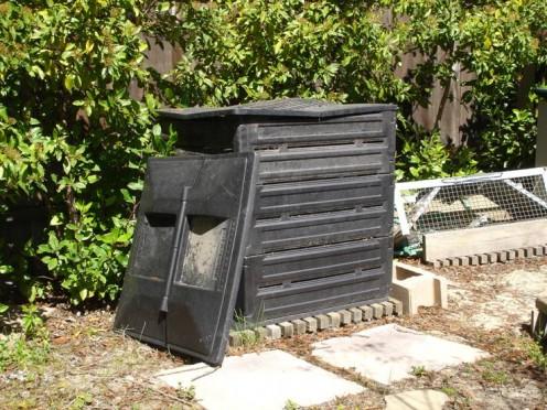 Ye old compost bin.