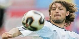 Gabriel Heinze is the 32 year old defender that plays for Argentina. He first represented Argentina in  2003, and in 2004 he won a gold medal in the Summer Olympics.