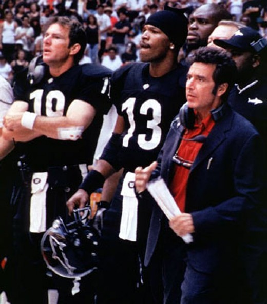 "Jamie Foxx, Dennis Quaid and Al Pacino on the sidelines in ""Any Given Sunday"""