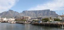 Table Mountain from the popular Victoria and Alfred Waterfront development. Photo Tony McGregor