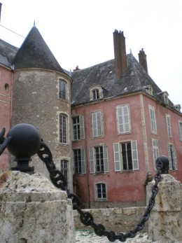 A closer view of Chateau