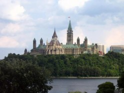 Parliament Buildings from the river photo from virtualtourist.com