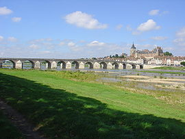 The bridge at Gien