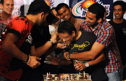 Sachin Tendulkar Birth Day Celebrations with team mates   Rare Photos