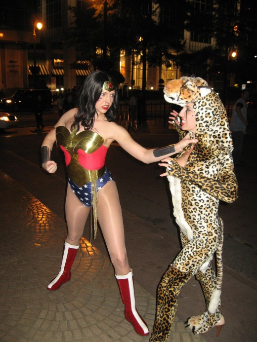 Wonder Woman and Cheetah from Alex Ross' Justice Series.  Source: Flickr, samaritanx