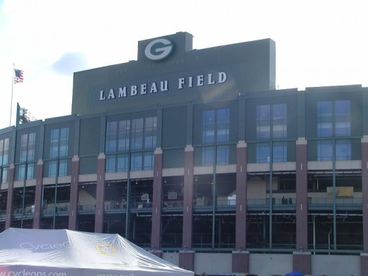 Lambeau Field in Green Bay,WI (Courtesy of chriscunningham1 on Photobucket.com)