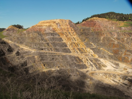 HOMESTAKE GOLD MINE IN LEAD SOUTH DAKOTA
