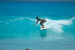 Arugam bay popular destination among surfers