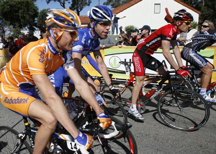 Stage 6 start line of the2007 Amgen Tour of California. //Ian Vorster