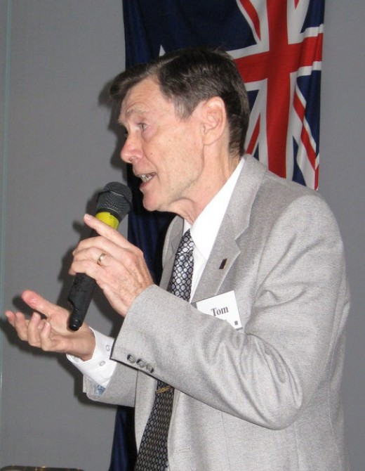 The author presenting a true and tried story to a big Probus audience in early 2010